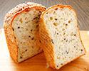 「もちもち米粉食パン」 ※10時以降の受取り
