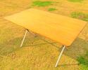折りたたみテーブル 1,200円(税込1,320円)
