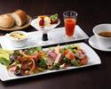 彩り野菜の贅沢サラダプレートランチセット