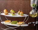 【Afternoon tea set】3 kinds of slider burgers and Japanese style cheese cakes with siphon tea