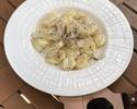 【TAKEOUT】トリュフをかけたじゃがいものニョッキ 黒トリュフのソース Gnocchi with black truffle