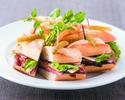 【TAKEOUT】白味噌マリネしたビーフステーキサンドウイッチ チリトマトジャム Miso charred steak sandwich