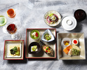 【Lunch KAISEKI MIZUKI This is Limited on weekdays】Akebono Bento Box,3 kinds of house made tea