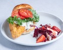 【TakeOut】Fish Burger,  Deep Fried Red Snapper, Lemon Herb Tartar, Radicchio & Strawberry Salad