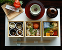 """Seasonal Special Bento """"Soso""""+ 30 kinds of cafe free + Small assorted dessert plate (12:30-13:30 visit /120 min)"""