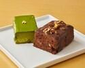 【食べ比べ】パウンドケーキハーフ × 2種セット 「ラムレーズンと胡桃のチョコレートパウンドケーキ」と 「宇治抹茶のパウンドケーキ」のハーフサイズ  を詰め合わせた食べ比べセットです。